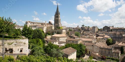 Foto op Aluminium Oude gebouw Large view on Saint Emilion wine village near Bordeaux France UNESCO World Heritage Site