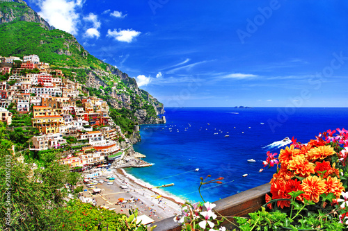 La pose en embrasure Cote beautiful Positano. Gorgeous Amalfi coast, Italy