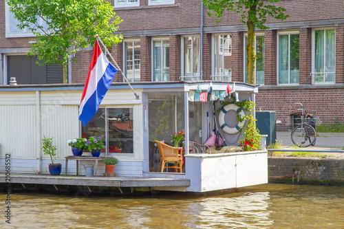 Valokuvatapetti Hausboot in Amsterdam
