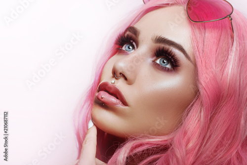 Canvas Print Beautiful young woman face close up
