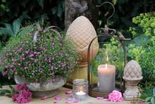 Gartendekoration Mit Kerzen Un...