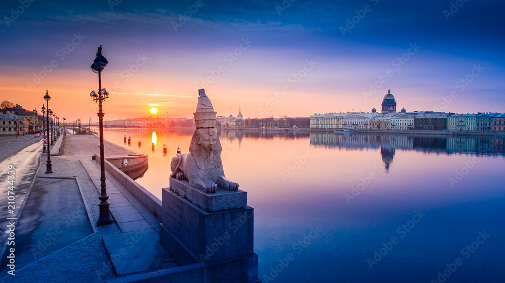 Fototapety, obrazy: Panorama of St. Petersburg. Bridges of Petersburg. Russia. View of the city from a height. Architecture of Petersburg. Russian cities.