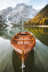 Panel Szklany Optyczne powiększenie Old rowing boat at Lago di Braies in the Dolomites, South Tyrol, Italy