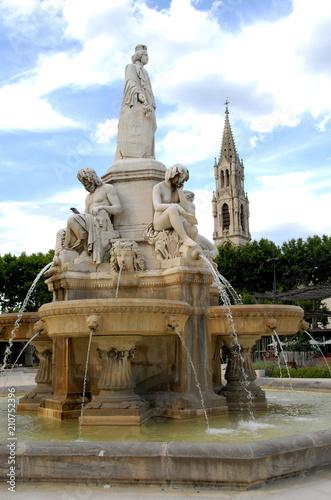 Fotobehang Fontaine Fontaine Pradier, Ville de Nîmes, département du Gard, France