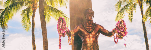 Fototapeta Panoramic banner of Duke Kahanamoku statue on Kuhio Beach Park in Waikiki, Honolulu, Oahu, Hawaii travel vacation tourist destination