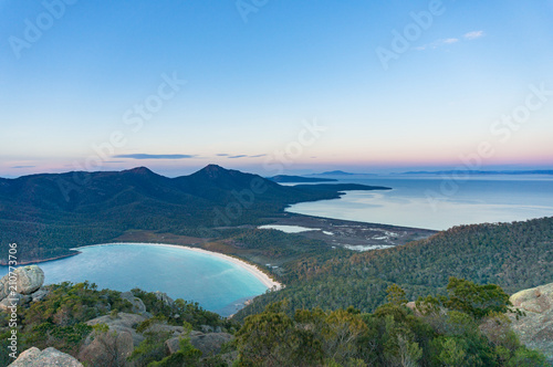 Foto op Aluminium Oceanië Aerial view on Wineglass bay and Freicynet national park