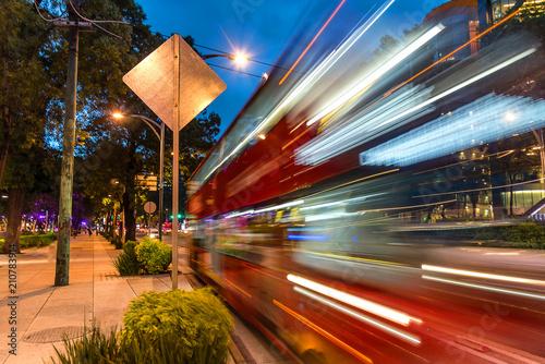 Obraz Metrobus - public transportation - fototapety do salonu