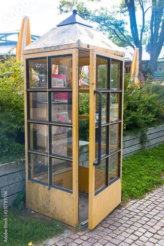Fotografie, Obraz  Alte Telefonzelle