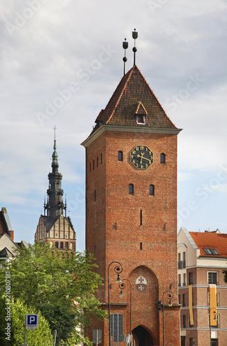 cathedral-of-st-nicholas-and-market-gate-in-elblag-warmian-masurian-voivodeship-poland