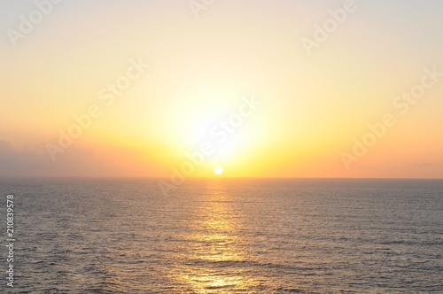 Spoed Foto op Canvas Zee zonsondergang Beautiful sunset view from a cruise on Caribbean sea