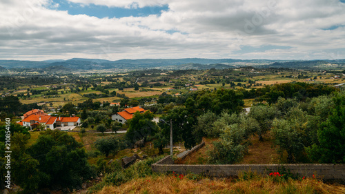 Photo Panorama of hills and olive groves surrounding Belmonte, Castelo Branco, Portuga