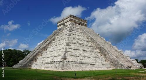 Fotobehang Mexico Pirámide de Kukulcán en Chichén Itzá