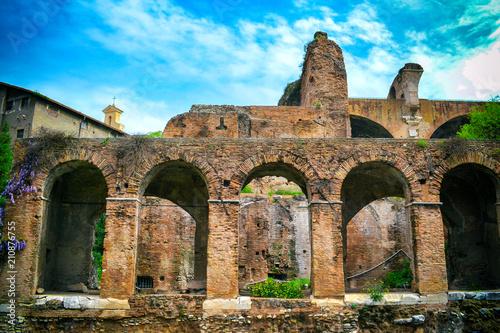 Zdjęcie XXL Antyczne rzymskie ruiny w Rzym, Włochy