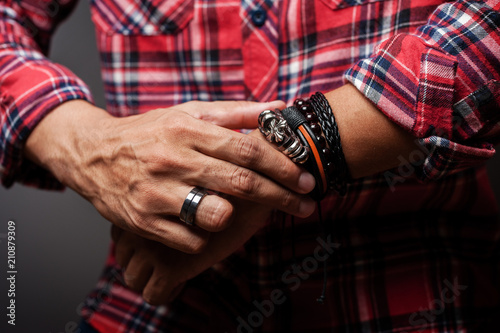 Photographie bracelets on the wrist