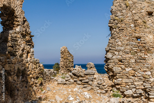 Foto op Aluminium Rudnes Ruins of the Ancient Roman City Anemurium in Anamur, Turkey