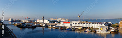 panorama du port de saint nazaire Canvas Print