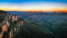 Three Sisters Sunrise View In Blue Mountains, Australia