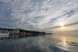 夜明けの港
