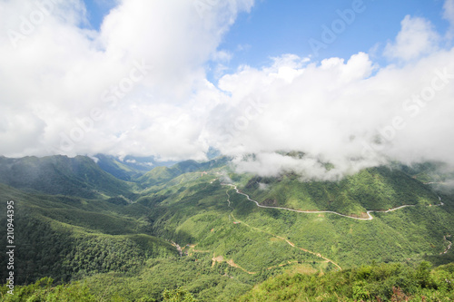 In de dag Pistache Landscape View from the Tram Ton Pass, Sapa District, Lao Cai Province, Northwest Vietnam