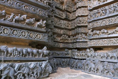 Fotografie, Tablou Friezes of animals, scenes from mythological episodes from Ramayana and Mahabhar