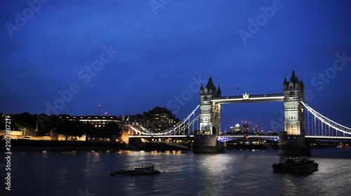 Foto op Canvas Londen Tower Bridge by night