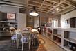 cuisine et salle à manger dans appartement rénové