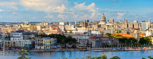 Montage in der Fensternische Havanna Panoramic view of Havana, the capital of Cuba