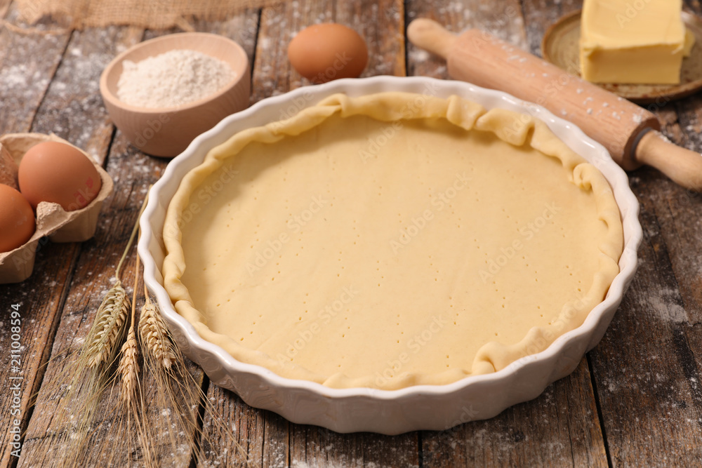 Valokuva raw dough, preparation