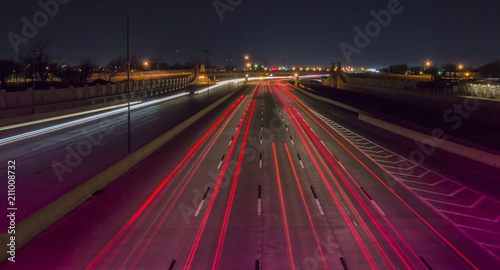 Spoed Foto op Canvas Nacht snelweg Long Exposure Shot of Busy Traffic On A Busy Highway