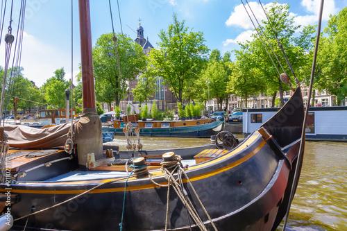 Valokuvatapetti Segelschiff in Amsterdam