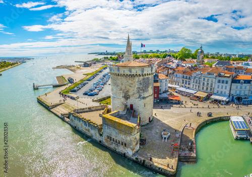 Seaside of La Rochelle dominated by Tour de la Lanterne and tour de la chaine, F Fototapete