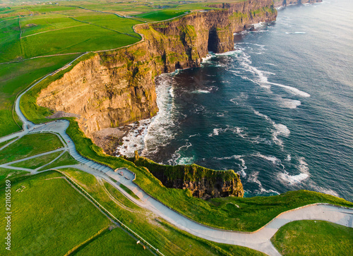 Fotografia  World famous Cliffs of Moher, one of the most popular tourist destinations in Ireland