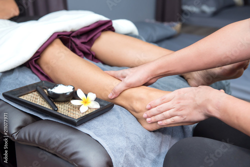 Fototapeta Thai massage and spa. Woman relaxing and healthy of aromatherapy obraz