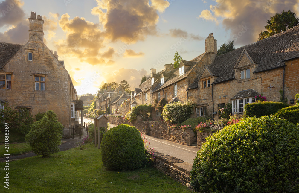 Fototapety, obrazy: Bourton-on-the-Hill near Moreton-in-Marsh, Cotswolds