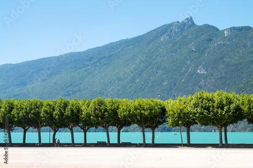 Esplanade du Lac du Bourget à Aix les bains