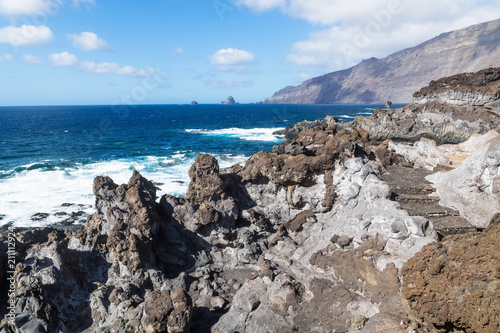Staande foto Kust View over the cliffs to the Ocean at Frontera, El Golfo, El Hierro, Canary Islands, Spain