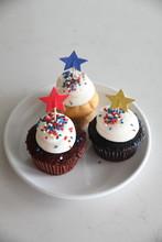 Three Patriotic Cupcakes Toppe...