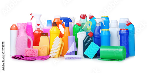Fotomural  Different cleaning supplies on white background