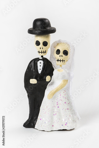 Fotografering  Skeleton wedding couple