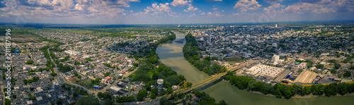 Spoed Fotobehang Parijs Panoramica de Monteria tomada en cordoba Colombia con un drone