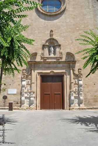 In de dag Monument Zabytkowe drzwi do świątyni