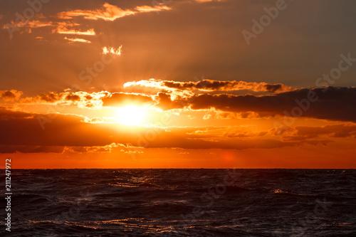 Tuinposter Zee zonsondergang Romantic sunset over the sea