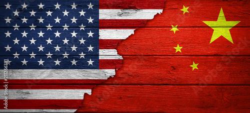 Fotografie, Obraz  USA / China / Beziehungen / Konflikt / Flaggen