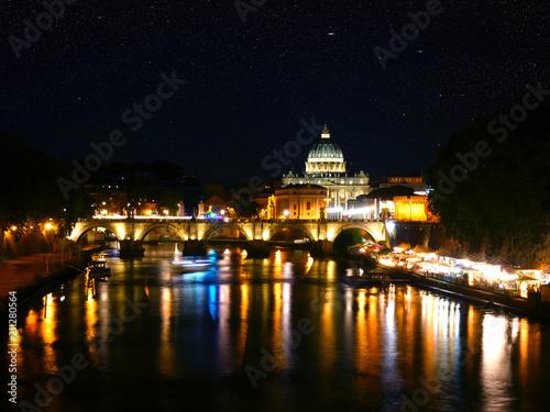 Zdjęcie XXL Bazylika Świętego Piotra - Most Świętego Anioła - Tiber Odbicie w nocy - Rzym Watykan