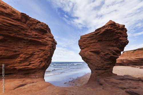 Slika na platnu Thunder Cove rocks at Prince Edward Island Canada