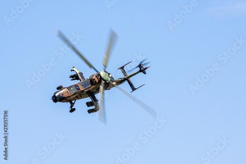 Tuinposter Helicopter Hélicoptère de combat