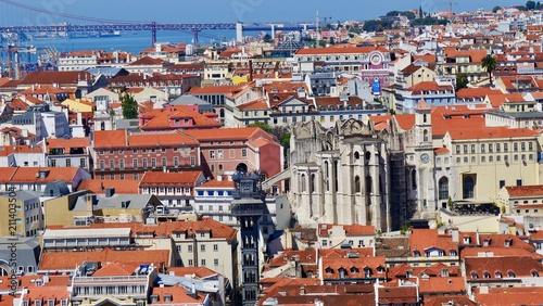Pont, ascenseur de Santa Justa et le couvent des Carmes, Lisbonne, Portugal Canvas Print