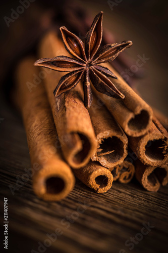 Foto op Canvas Kruiderij Anise stars and cinnamon