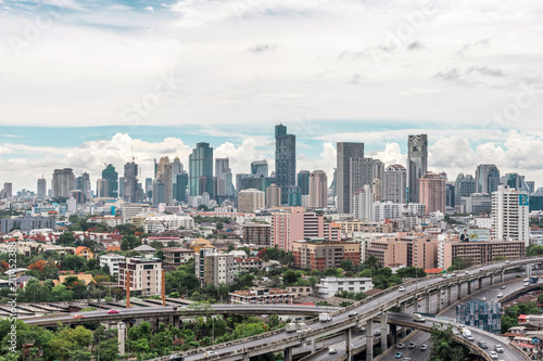 Staande foto Parijs Cityscape with expressway and traffic of Bangkok