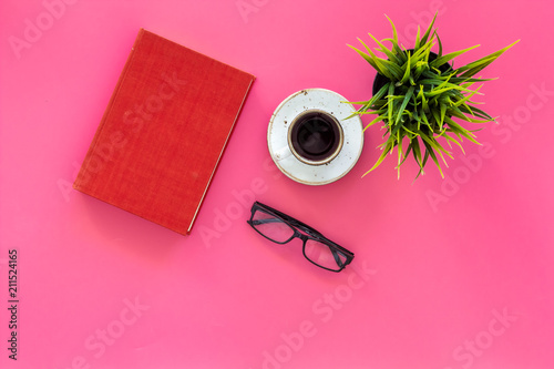 Slika na platnu Reading for study and work